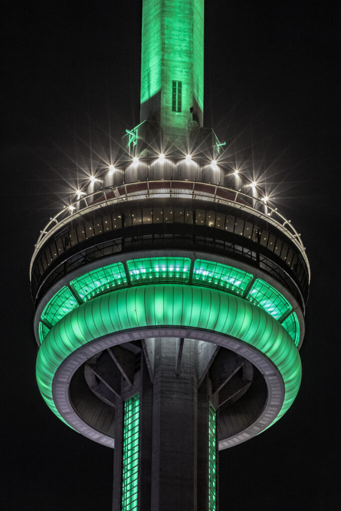 CN Tower, Toronto, ON - Courtesy of @jgazze