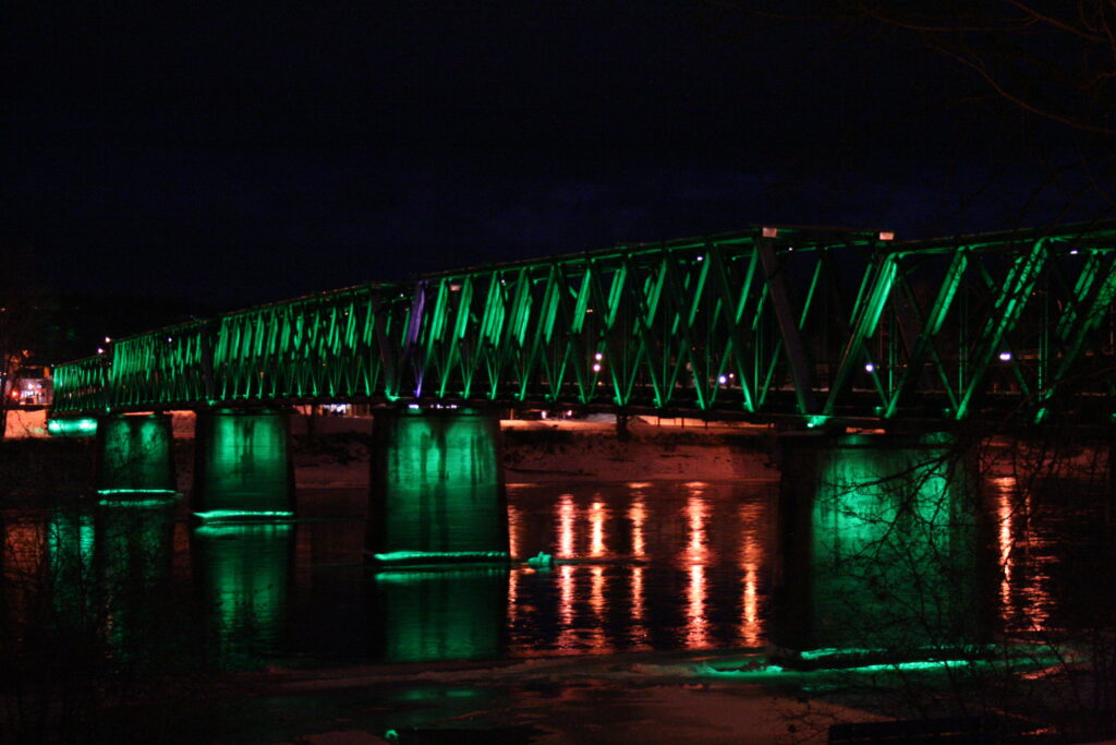 Fraser River Walking Bridge, Quesnel, BC - Courtesy of City of Quesnel